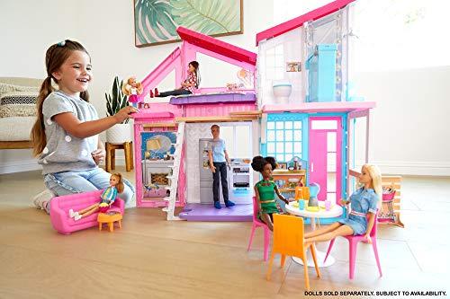 Barbie Casa Malibu, casa de muñecas de dos pisos plegable con muebles y accesorios...